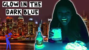 vodka tonic blacklight glow in the dark blue cocktail tipsy bartender youtube