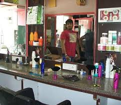 old fashinoned hairdressers and there salon potos style with scissors old palasia salons in indore justdial