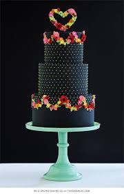 10 pretty black cakes