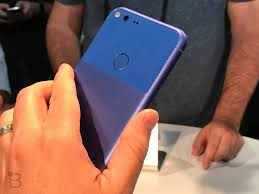 google images hands google pixel xl hands on the first android 7 1 phone is gorgeous