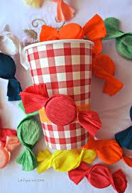 riciclare bicchieri di plastica riciclo creativo dei tappi di plastica decorazioni fai da te per