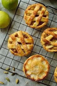 mini cardamom apple pies domestic gothess