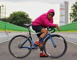 cycling raincoat mnz geometrikss twitter