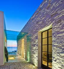 ocean home 50 our top coastal architects of 2017 geoff sumich s approach to design is based on the concept of