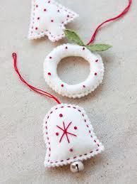 felt christmas 70 diy felt christmas tree ornaments shelterness