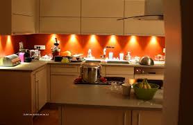 cuisine orange et noir cuisine orange et noir trendy stunning cuisine avec cemento