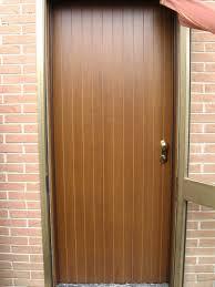 porte ingresso in legno porte blindata in legno pantografato modello a doghe verticali