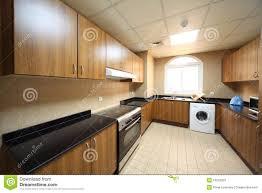 cuisine avec machine à laver cuisine avec les compartiments la machine à laver et le cuiseur