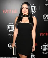 Vanity Fair Essay Ariel Winter Underwent Breast Reduction Because Of U0027psychological