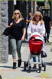 malin akerman u0026 kristen bell new mamas in hollywood photo