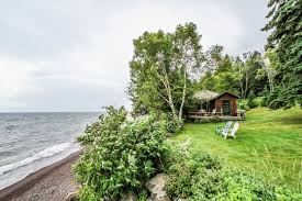 Lake Superior Cottages by Darling Cottage With A Cobblestone Beach