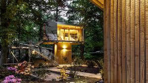 urban treehouse baumraum small house bliss