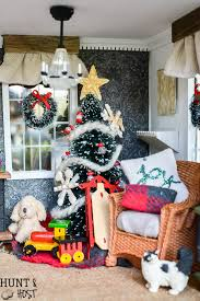 Christmas Dollhouse Decorations Hunt and Host