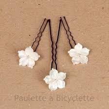 fleurs cheveux mariage epingle à chignon pour coiffure de mariée fleur de nacre ivoire