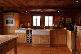 cuisine chalet bois cuisine vieux chalet aménagement cuisine woods and