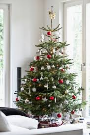 decorating your new home tips for decorating your christmas tree popsugar home