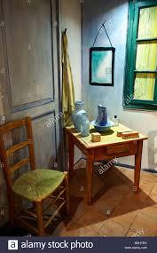 gogh chambre arles recreation of gogh s bedroom chambre de vincent museum arles