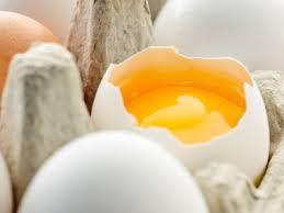 ground eggshells zero waste uses for eggs eggshells and egg cartons reader s digest