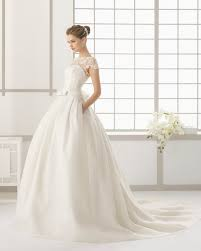 dress your best with this fashion advice expert tips so you can find the perfect wedding dress beyond the