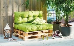 sofa paletten selbstgebautes paletten loungesofa für ihren garten knauber