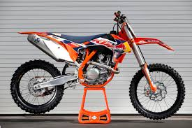 2015 ktm motocross bikes ktm u0027s 2015 factory edition 250 and 450 sx f bikes