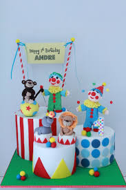 the 25 best circus cakes ideas on pinterest circus theme cakes