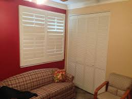 how to hang louvered interior doors