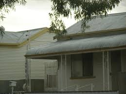 file broken hill corrugated iron houses jpg wikimedia commons