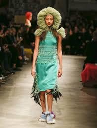 moda donna moda donna a seduzione secondo prada la sta