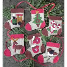 warm felt ornaments kit at weekend kits