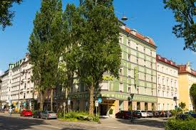 hotel hauser tourist class munich location for markets review of hotel brack