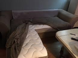 transformer un lit en canapé sur matelas canapé pour le transformer en lit confortable et le