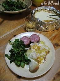 comment cuisiner la saucisse de morteau mont d or chaud saucisse de morteau et pommes de terre en robe des