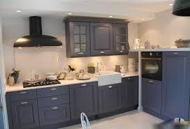 comment repeindre sa cuisine en bois comment repeindre une cuisine en bois opération relooking pas cher