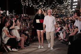 tommy hilfiger will show in l a rather than nyc this fashion week