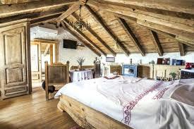 deco chambre comble deco chambre sous comble amenagement comble parquet en bois clair