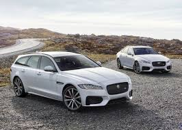 jaguar car jaguar xf voted auto trader new car of the year by 10 000 uk car