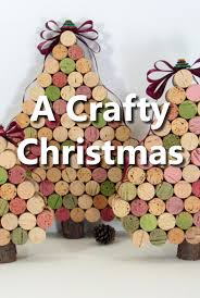 hundreds of holiday and christmas craft projects to decorate the