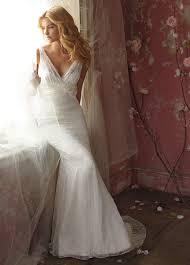 wedding dress 2011 real work exhibitionwedding gown dresses discount 2011 beautiful v