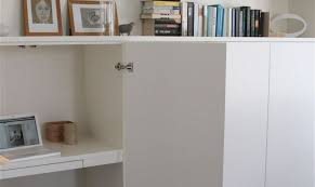 ikea meuble bureau un bureau discret et beaucoup de rangement