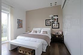 colori muro da letto gallery of idea arredamento toni beige marrone bianco