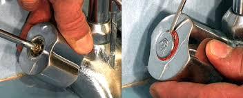 robinet cuisine qui fuit comment réparer un robinet qui fuit aux poignées