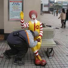 Ronald Mcdonald Phone Meme - 18 times people couldn t stop themselves from harassing ronald