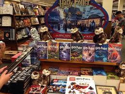 barnes and noble holding midnight for new harry potter book