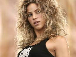 what color is shakira s hair 2015 shakira natural hair color in 2016 amazing photo haircolorideas org