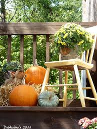Fall Patio Diy Welcome The Fall With Warm And Cozy Patio Decorating Ideas