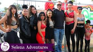 selena quintanilla perez halloween costume selena adventures lookalike contest in indio tamale festival
