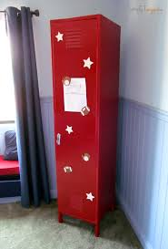 Locker Bedroom Furniture by How To Paint A Metal Locker U0026 Create A Unique Organization Center