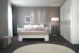 repeindre une chambre à coucher faire une galerie photo peindre une chambre en gris et blanc