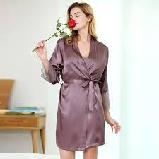 robe de chambre en satin pour femme les 25 meilleures idées de la catégorie robe de chambre satin sur